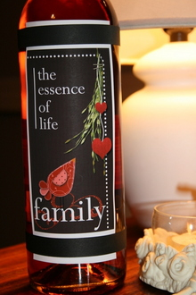FAMILY Wine Bottle Hybrid Label