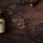 Genouillé Antique Screws - Memory Hardware - Prima