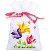 "3.25""X4.75"" 18 Count Set Of 3 - Flowers And Butterflies Bags On Aida Counted Cross Stitch Ki"
