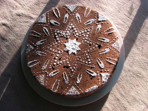 Cake with powdered sugar